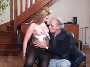 Old man fucks some younger pussy - Telsev