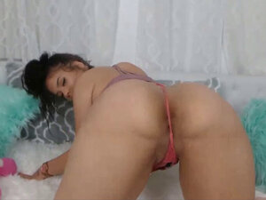 Latina Dancer Hottest Phat Ass Teen in Booty