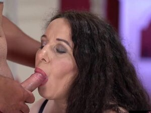 Lustful Rob whips out his cock for granny Lili to