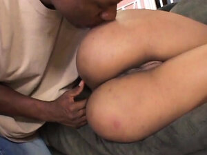 Bubbly assed ebony likes it rough