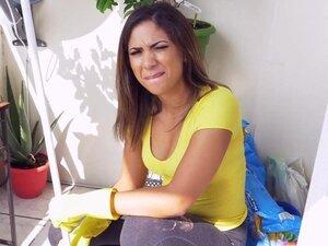 BANGBROS - Latina maid Mariah cleans more than