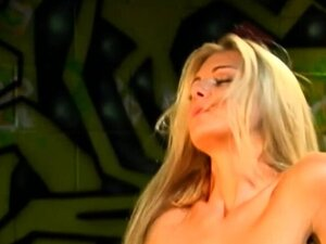 Heavy chested brunette milf gives blowjob to