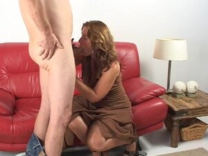 Horny matured dame riding big cock hardcore on