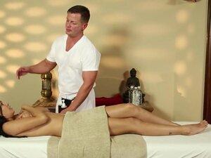 Very tricky massage room of glamorous masseur