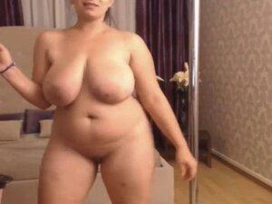 Thick Juicy Romanian Webcam Huge Tits