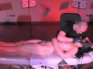 Naked on Stage 118 Stefanie Erlick,