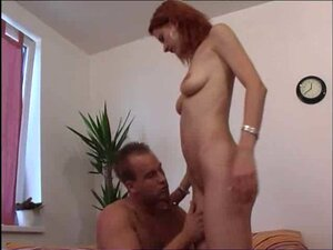 Amateur redhead fucked on the sofa