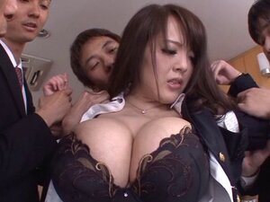 Japanese babe Hitomi's monster tits are sucked as