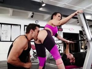 Hot brunette Rachel Starr in gym and pussy juice