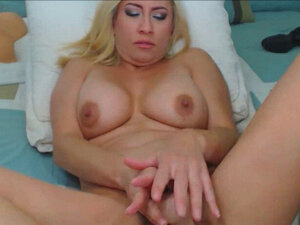 Hot Blonde Babe With Big Boobs Cant Stop