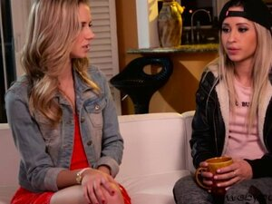 Super pretty teens Goldie and Rachel enjoys pussy