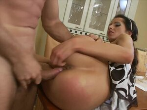 Cute Victoria Rose loves to experience hot