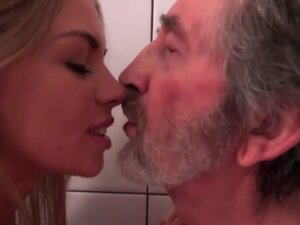 Old Man Fucked Young Blonde Teen Blowjob Pussy