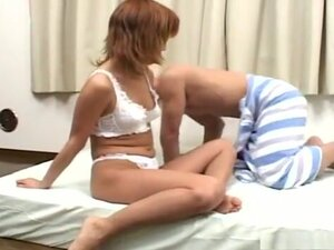 Ami gets cum on her tits after hot sex!