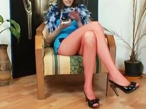 Euro hottie Alice got super legs and hawt red
