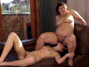 Daniella Rose kisses old puss of Margo T
