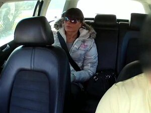 Non-Professional whore screwed in the backseat for