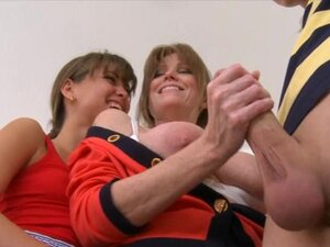 Darla Crane and Riley Reid share on thick hard man