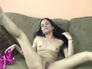 Exotic mother I'd like to fuck Naomi Shah is
