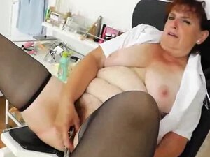 Old Hair pussy from granny Nurse