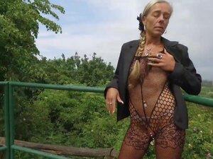 Walking in the Park Part 2, Eine erotische