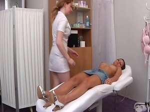 Carrie visits gyno doctor for pussy speculum exam