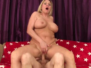 Busty mature Carla Craves gets her pussy banged by