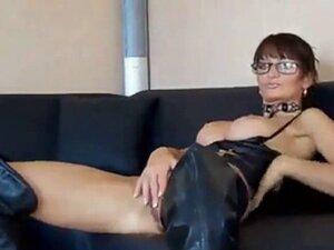 Milf in leather boots has anal sex