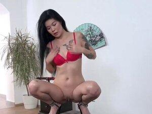 Oriental angel in piss porn
