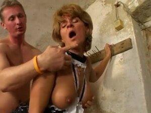Hardcore anal fucking a kinky mature slut in