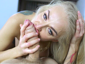 Russian mom Kayla Green slobbering all over his