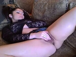 Amateur Cassandra Plays with her Hairy Cunt