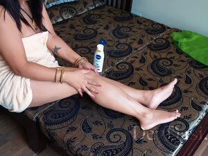 Hot Desi Wife Kavitha Cream Massage And Then