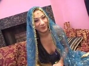 Traditional Indian girl fucked in a creampie