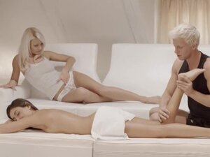 Exclusive blondies threesome from Sweden,