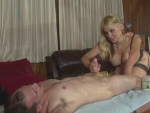 Highheeled masseuse humiliating her client