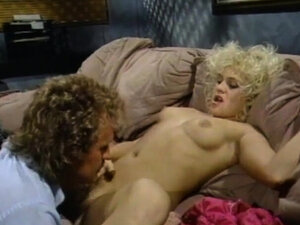 MILF wants nothing more than a cumshot on her