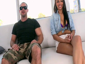 Celebrity Status with Bethany Benz cd11036
