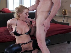 Adorable Housewife In Leather Bra Getting Rocked