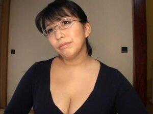 Do the Hot Sexy MILF PTA