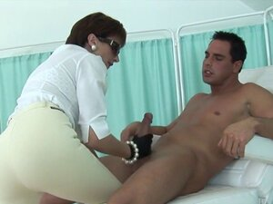 Adulterous british mature lady sonia presents her