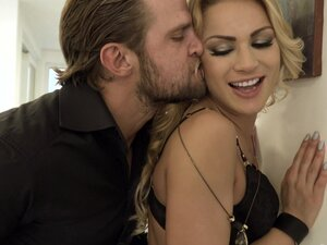 Blindfolded blonde Cherry Kiss surprised with a DP