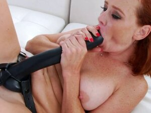 Lesbians with Strap-On Plays Wildly