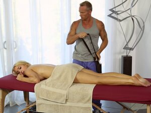 Sensuous massage session turns into an epic pussy
