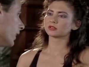 Lisa Bright, Jon Martin in naturally pretty