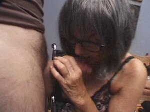 Granny Places That Cock In Her Mouth