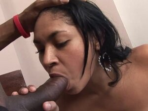 Black dude destroys wet pussy of Cindy Diaz with