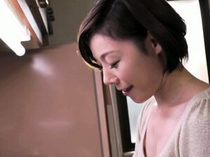 Luscious Japanese mom with tiny tits enjoys a