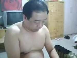 CHN mature bear jerkoff show time