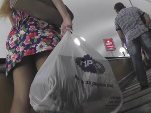 Hot upskirt pussy vids under casual A-line skirt,